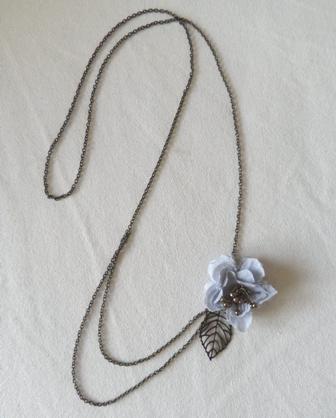 お花ネックレス
