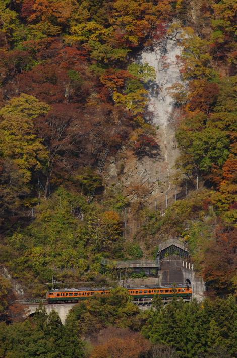 2013年11月09日 吾妻線 紅葉 026
