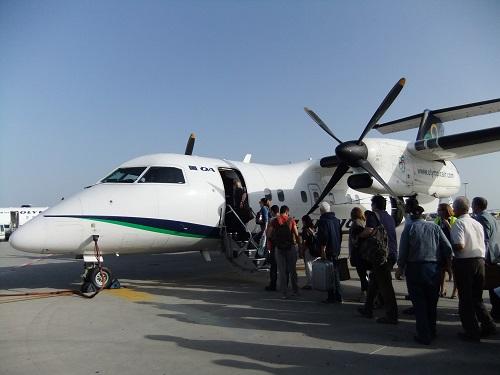 カルパソス行き飛行機