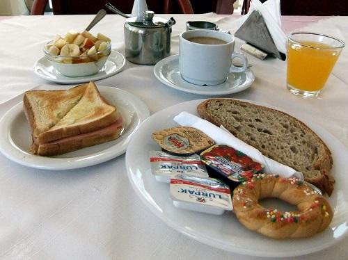 カルパソス_ホテルの朝食