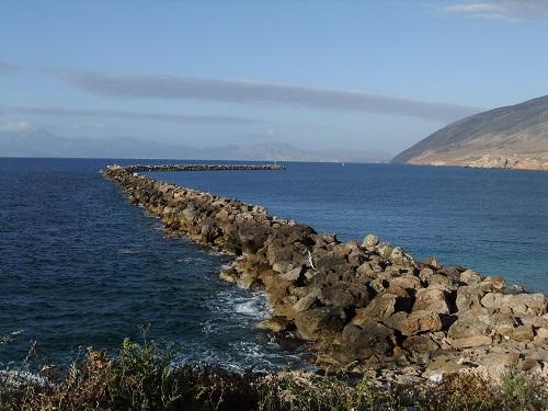 カソスの湾の入り口