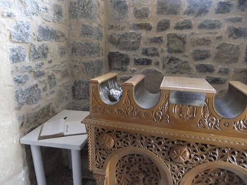 アギオス・ママス修道院 (1)