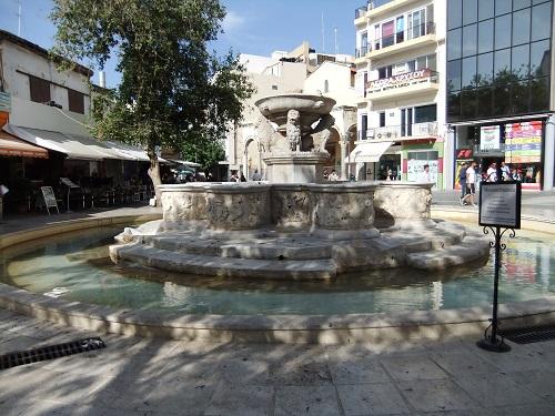 イラクリオ_モロシニの噴水 (1)