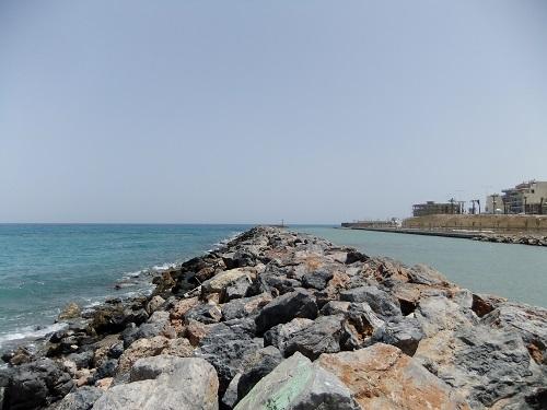 イラクリオ_西側の海 (1)