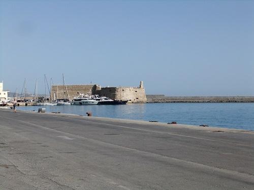 イラクリオ_港から見る要塞