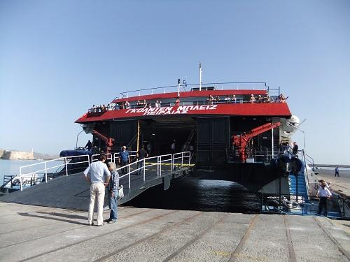 イラクリオの港で