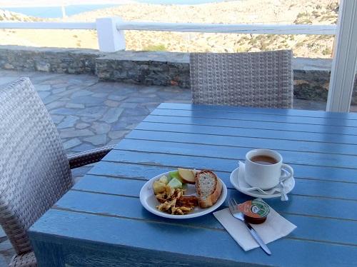 スヒヌサ_ホテルの朝食