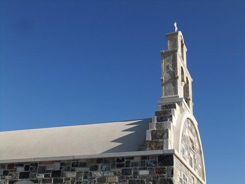 スヒヌサ_ホラの外れの教会 (1)