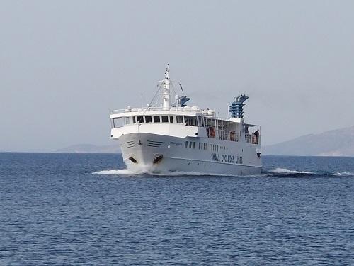 スモール・キクラデス・ラインズの船