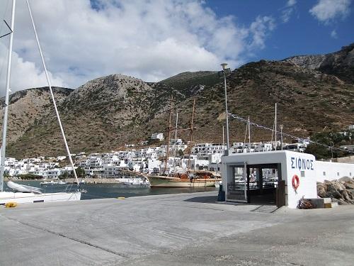 シフノスの港