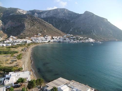 シフノス_アギア・マリナから見る海