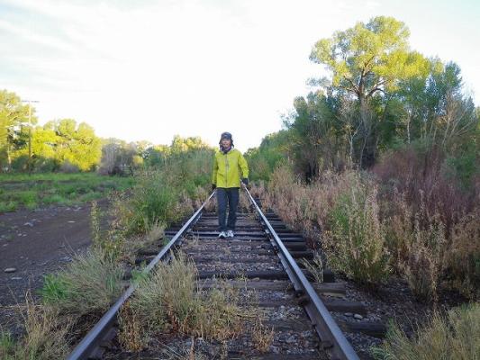 on_railroad2