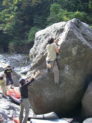 どくろ岩3級