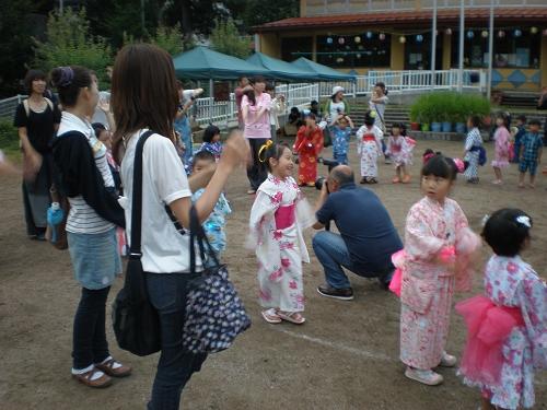 2011.保育園夏祭り (32)