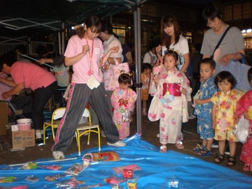 2011.保育園夏祭り (40)