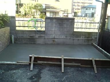 コンクリート作業終了です。