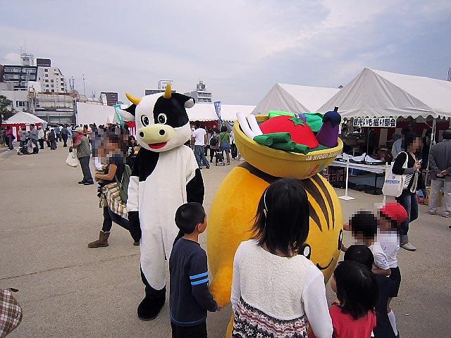11/3 波止場町TEN×TEN 青山大介・鳥瞰図展 → みのりの祭典(^^♪