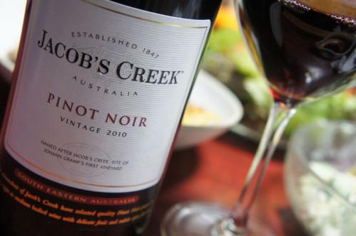 JACOBS CREEK pinot noir 2010