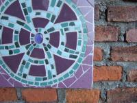 壁に飾られたキレイなタイル