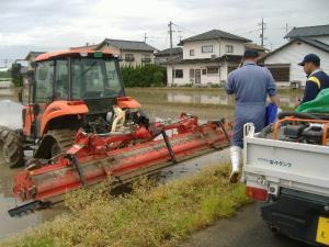 2011_0512nou1_con.jpg
