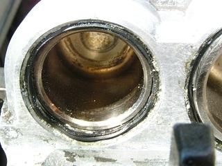 ZZR400113.jpg