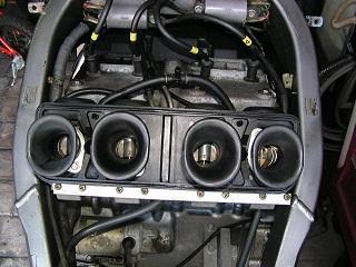 ZZR400126.jpg