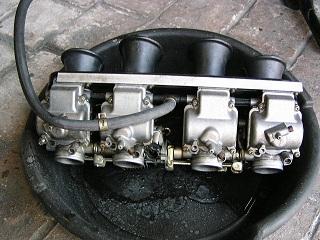 ZZR400129.jpg