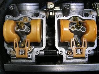 ZZR400131.jpg
