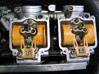 ZZR400132.jpg