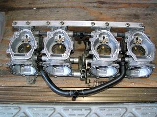 ZZR400137.jpg