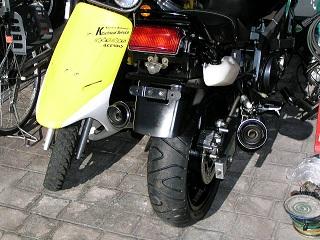 ZZR400142.jpg