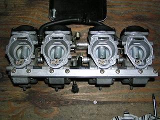 ZZR400158.jpg