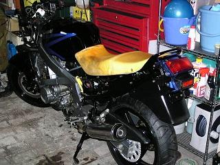 ZZR400194.jpg