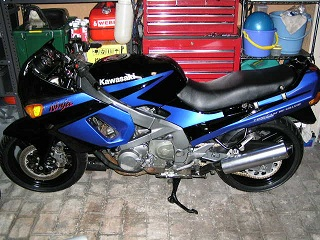 ZZR400252.jpg