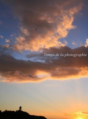 江ノ島とひこうきと夕日