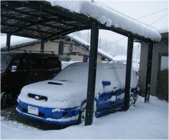 車も真っ白