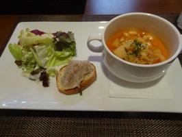 プチ前菜とスープ