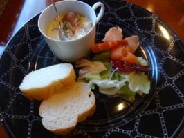 前菜、スープ、バゲット