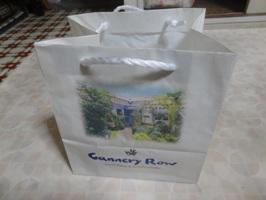 キャナリーロウのクリスマスケーキの袋
