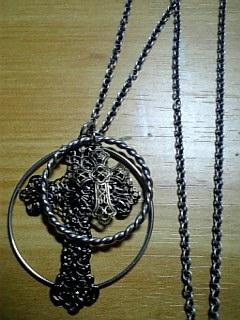 クロスとサークルのネックレス