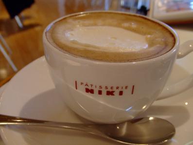 カフェ・コン・パンナ