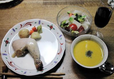 モモとスープとサラダ