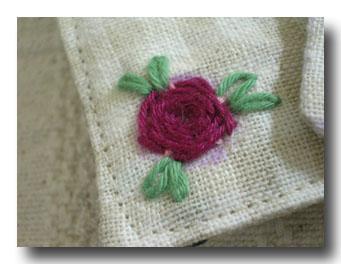 刺繍糸でバラ
