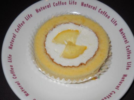 レモンとレアチーズのロールケーキ02