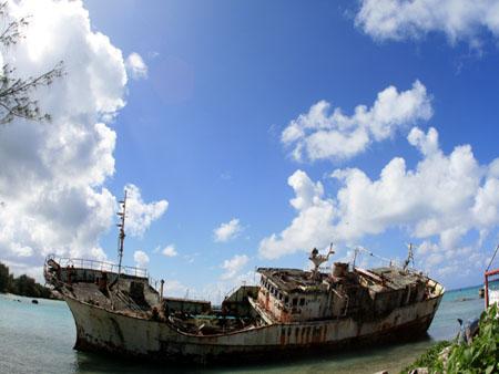 サイパンの座礁船
