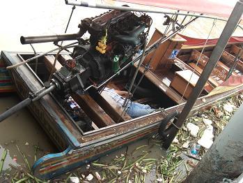 6 チャオプラヤ川のボート