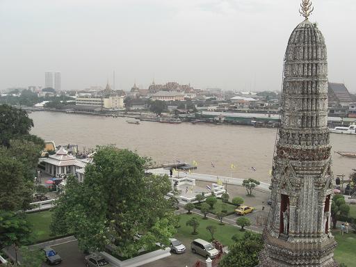 7 チャオプラヤ川と王宮方面