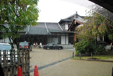 1 奈良ホテル・新館方面