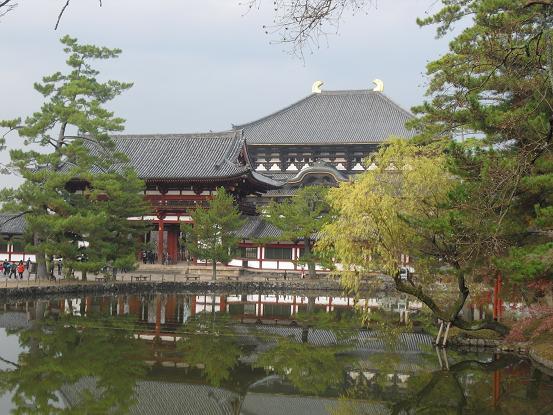 14 東大寺・大仏殿・鏡池