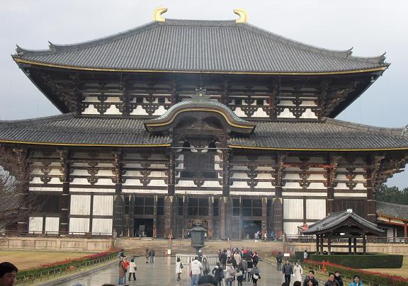 17 東大寺・大仏殿